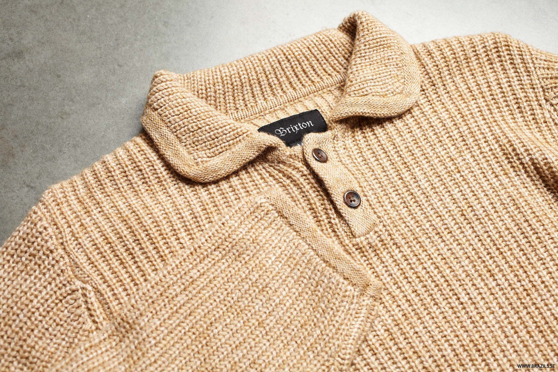GREENPOINT-HENLEY-SWEATER_02344_NATUR_02