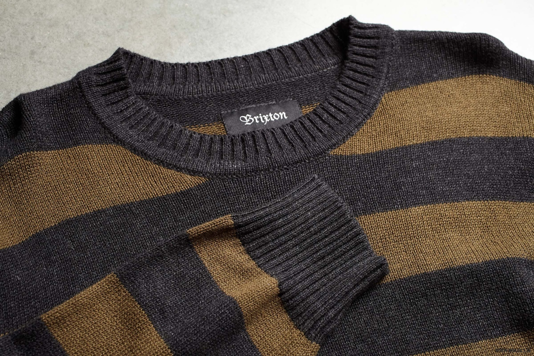 WES-SWEATER_02343_WABLK_02