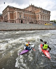 Whitewater training in front of the Royal Opera House