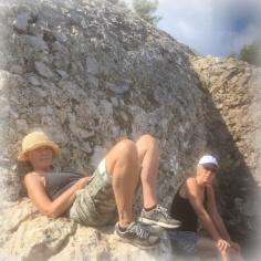 Isse och Marianne njuter Mallorcas berg