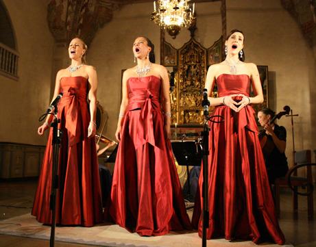 Soprantrion Divine: Gabriella Lambert-Olsson, Jacqueline Miura och Caroline Gentele
