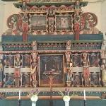 ...altartavlan är en gåva från Onsala församling vid 1600-talets slut.
