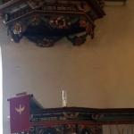 Predikstolen är gjord under barockens slutskede 1699.