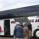 ... på vår väg till bussen.