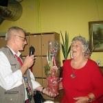 Vår ordförande Ing-Marie fick en blomma för det fantastiska arbete hon utför!