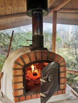 Laga er middag i det fina skogsutekköket