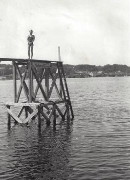 Första hoppet från en trampolin - i Hobro 1933.
