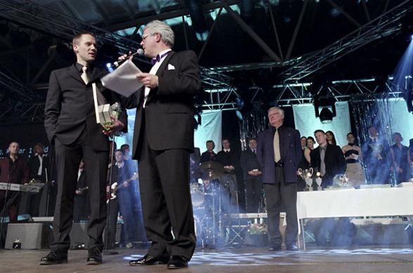 2004 Mästargalan i Malmö. Här med simmaren och fallskärmshopparen Michael Alpfors.