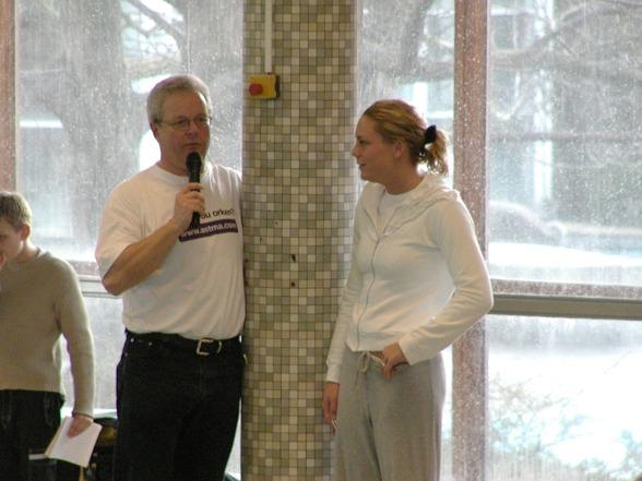 2002 Snack med Emma Igelström på Australiengalan i Malmö. Några dagar senare blev hon först i världen under 30 sek på 50m bröstsim.