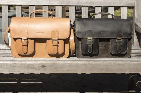 Portföljen Berlin i ljust och vintage-grönt läder