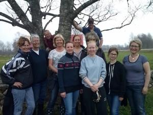 Från vänster: Maria, Annelie, Tor, Anneli, Matilda, Ida, Börje, Kajsa, Jenny, Ida och Sofia. Saknas på bild gör Maggan, Marie o Emma, som också var med och fixade idag.