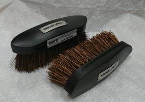 HS Svart träborste med natur fiber