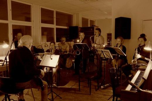 Spela i orkester