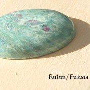 Rubin/Fuchsit oval, handpolerad sten