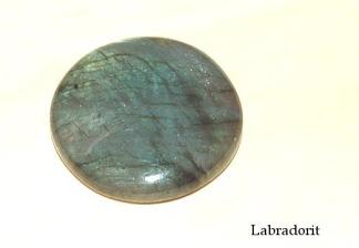 Labradorit rund handpolerad sten