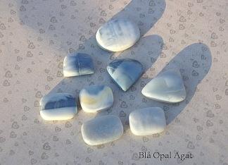 Blå opal Agat handpolerade stenar