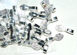 Metalldel med ögla