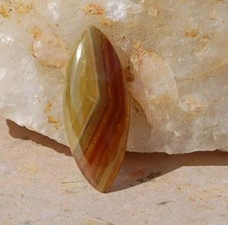 Grossular Granat sten 36x15mm
