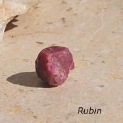 Afrikansk Rubin råsten ca 20 x 18mm