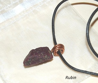 Rubin sten i halsband