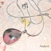 Rodonit  sten i halskedja