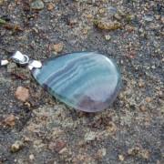Fluorit sten 21x29mm med ögla