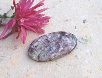 Vacker Charoit sten - amulett sten