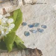 Safir blå bit råsten ca 4-5mm, styckpris
