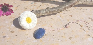 Dumortierit sten 25x15mm topphålad