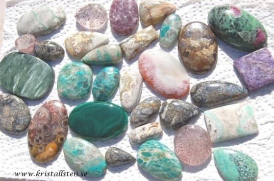 CrystalstoneSweden - stort utbud av slipade stenar till smycken