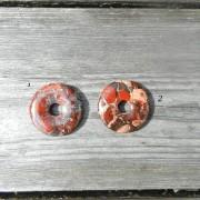 Breccia Jaspis 40 mm donut/amulettsten, styckpris