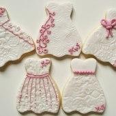 Brudklänning, rosa kakor