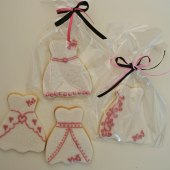 Brudklänning, vit rosa i cellofan