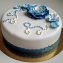 blå blommor o pärlor