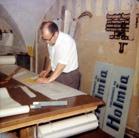 Pappa i sin ateljé på Nygatan i  Norrköping. Början av 60-talet.