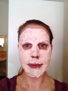 TILLVAL!   ROSE ALGUE PEEL OFF MASK           En uppstramande mask
