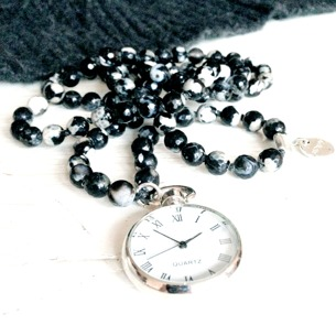 Time necklace (Pink/Black)