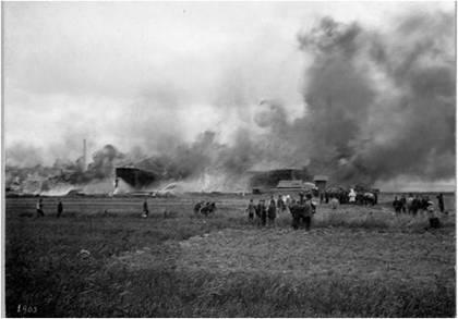 Tingstad 1903 där ett trävaruupplag brann. (Bildarkivet)
