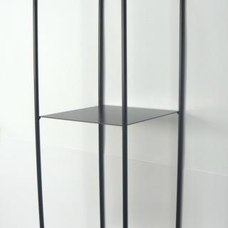 1731S Hylla 2 plan svartmålad smide 43X15X15 cm