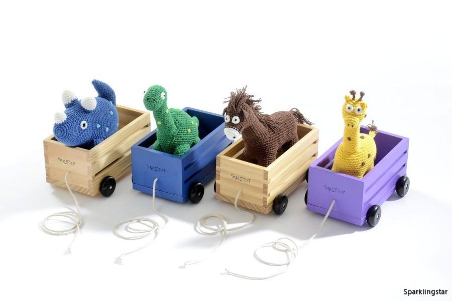 40021_Wooden_wagon_900x600