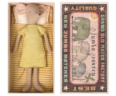 Maileg Medium Mouse In Box Girl - Maileg Medium Mouse In Box Girl