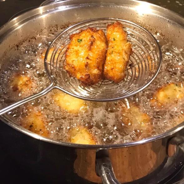 Pastéis de Bacalhau - Salt Cod cakes - krokiety z dorsza a la 'bacalhau'