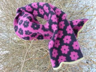 Stickpaket - Halsduk med blommor - Dubbelstickat halsduk med blommor