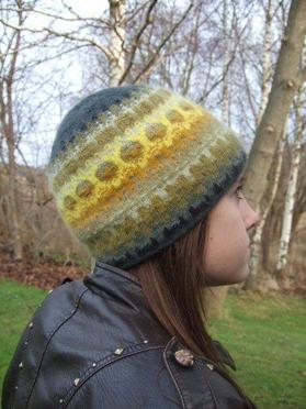 """Gold"" hat. Photo Solveig Gustafsson."