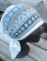 """""""Blå Skimmer"""" triangular scarf. Photo S. Gustafsson"""
