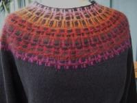 """""""Gallret rött"""" pullover. Photo S´. Gustafsson"""