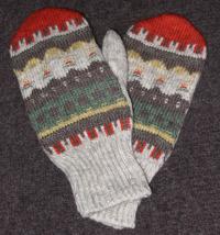 """""""Gröna Ängen"""" mittens. Photo S. Gustafsson"""