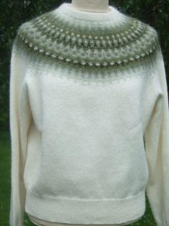 Myrten Grön pullover cardigan Bohus Stickning - Myrten Grön jumper/kofta kit