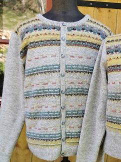 Papegojan pullover cardigan Bohus Stickning - Papegojan helmönstrad front damjumper/kofta kit