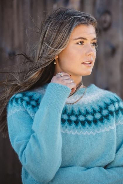 """""""Blå Blomman"""" pullover, turquoise main color.  Photo Kristina Gillerstedt."""